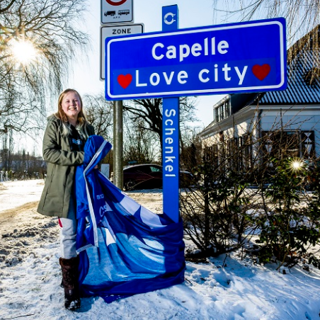 Capelle omgedoopt tot Capelle Love City